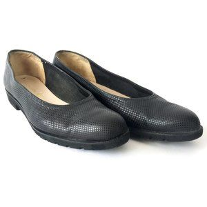 Salvatore Ferragamo Boutique Black Leather Flats